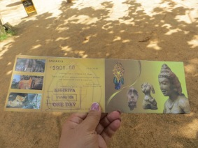 A ticket US$30 for the entrance of Sigiriya, quite expensive(to me) but definitely worths buying it.